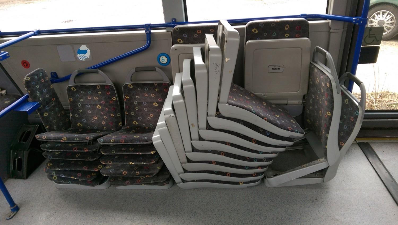 AdventureRooms on Tour Ausbau der Sitze für Rätselbus